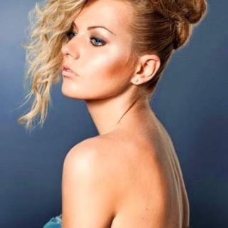 Yana Cute Blonde