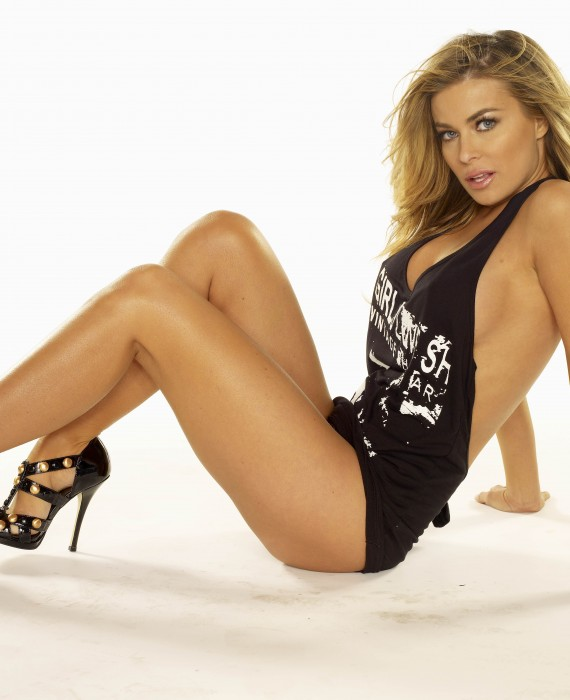 Carmen Electra Sexy Legs and Feet