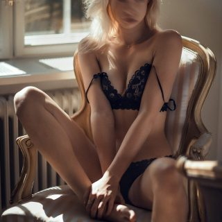 Desi Stunning Blonde - Birmingham Escorts